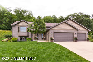 530 Northern Valley Court, St. Charles, MN 55972