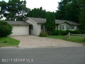 455 Glenview Court, Winona, MN 55987