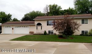 1035 Johnson Place, Owatonna, MN 55060