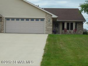 701 Simplicity Drive, B, Ellendale, MN 56026