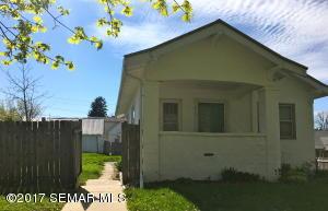 213 N Oak Street, Mabel, MN 55954