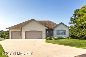10208 Bluff View Lane SW, Byron, MN 55920