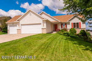 305 10th Street NE, Byron, MN 55920