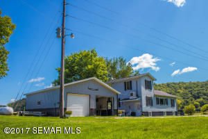 604 Lonning Drive, Dorchester, IA 52140