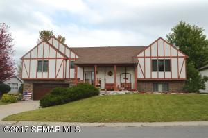 415 2nd Street SE, Plainview, MN 55964
