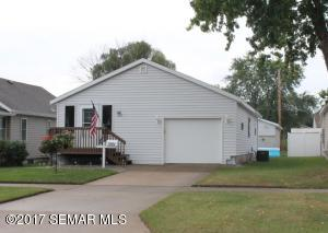 1061 E 6th Street, Winona, MN 55987