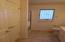 Main Level 3/4 bath/large linen closet