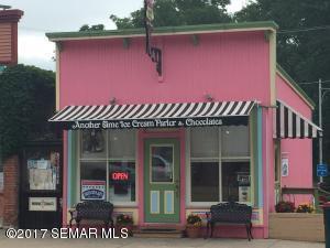100 Parkway Avenue N, Lanesboro, MN 55949
