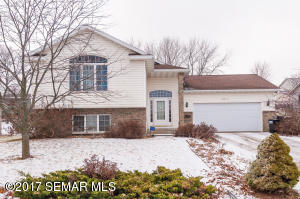 4614 Manor Brook Drive NW, Rochester, MN 55901