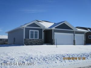 2144 Harbour Oak Drive SE, Owatonna, MN 55060