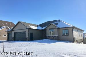 1835 Creek View Lane NE, Owatonna, MN 55060