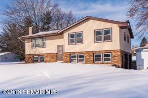 2803 Oakridge Drive SW, Rochester, MN 55902