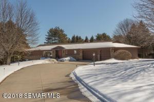 3538 Pine Tree Court NE, Rochester, MN 55906