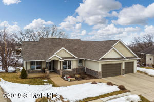 5009 Regal Oak Lane SW, Rochester, MN 55902