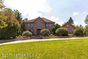 172 River Bluffs Lane NW, Rochester, MN 55901