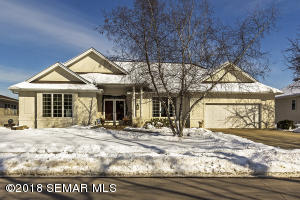 124 Interlachen Lane NW, Rochester, MN 55901