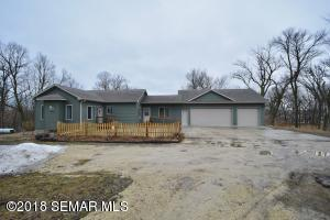 2801 Riverview Court SE, Pine Island, MN 55963