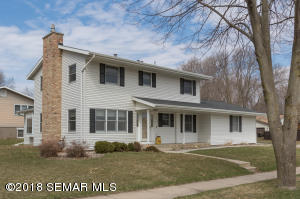 1205 40th Street NW, Rochester, MN 55901