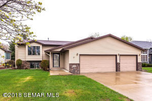 419 44th Court NW, Rochester, MN 55901