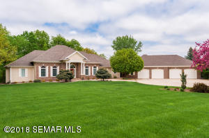 2533 Hawk Hill Lane SW, Rochester, MN 55902