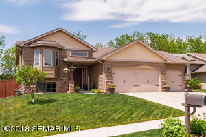 431 Manor Ridge Drive NW, Rochester, MN 55901