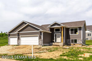 6643 Clarkia Drive NW, Rochester, MN 55901