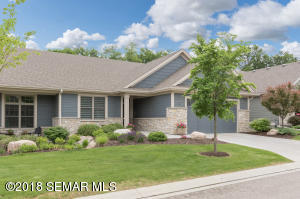 992 Fox Valley Place SW, Rochester, MN 55902