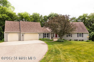 6000 Oak Meadow Lane NW, Rochester, MN 55901
