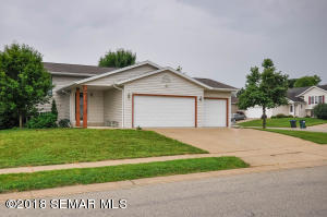 4414 Manorwoods Place NW, Rochester, MN 55901