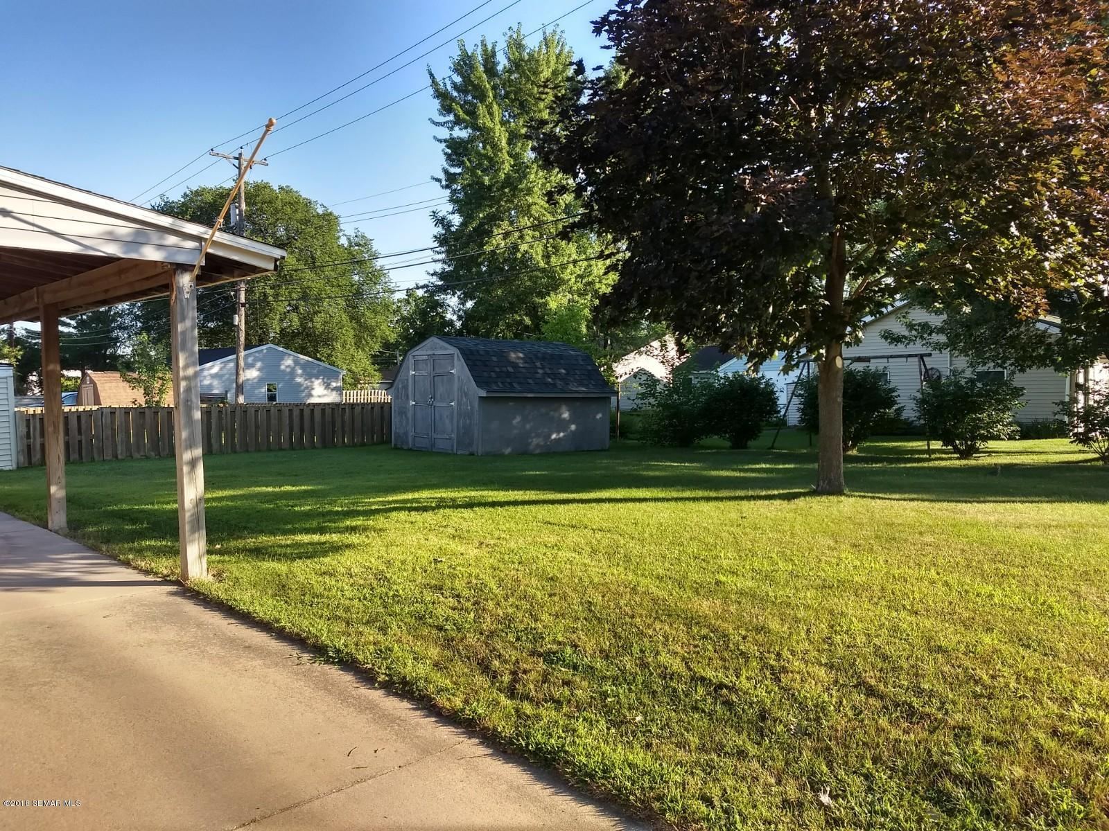 3910 6th,Winona,Minnesota 55987,2 Bedrooms Bedrooms,2 BathroomsBathrooms,Single family residence,6th,4089873