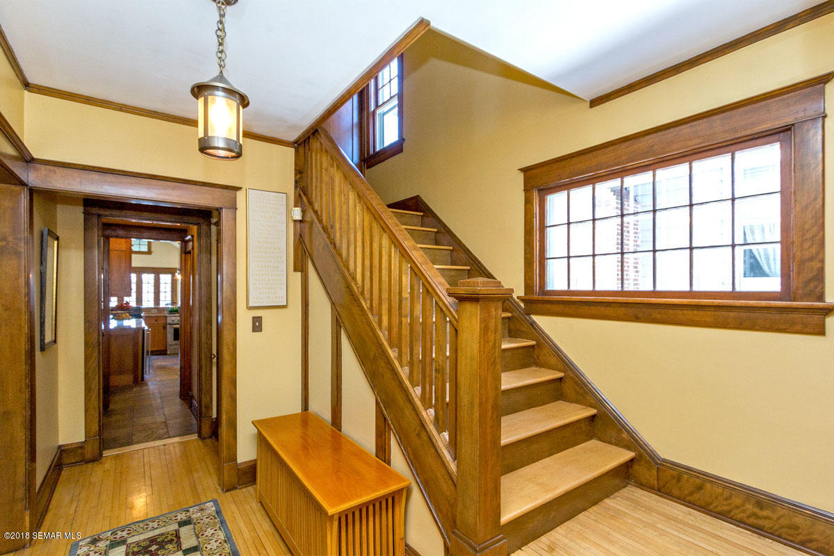 524 5th,Rochester,Minnesota 55902,4 Bedrooms Bedrooms,4 BathroomsBathrooms,Single family residence,5th,4091929