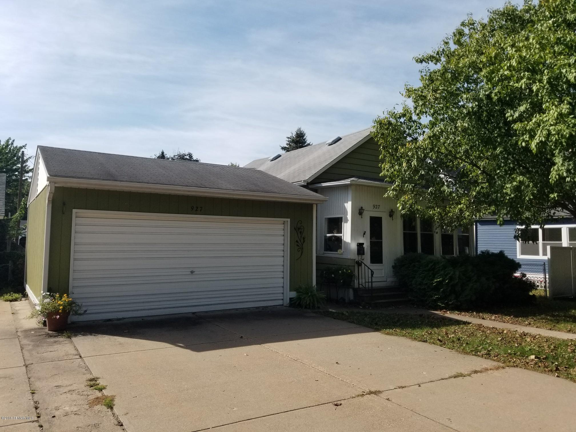 927 7th,Winona,Minnesota 55987,2 Bedrooms Bedrooms,2 BathroomsBathrooms,Single family residence,7th,4091402