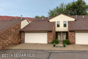 2835 26th Street NW, Rochester, MN 55901