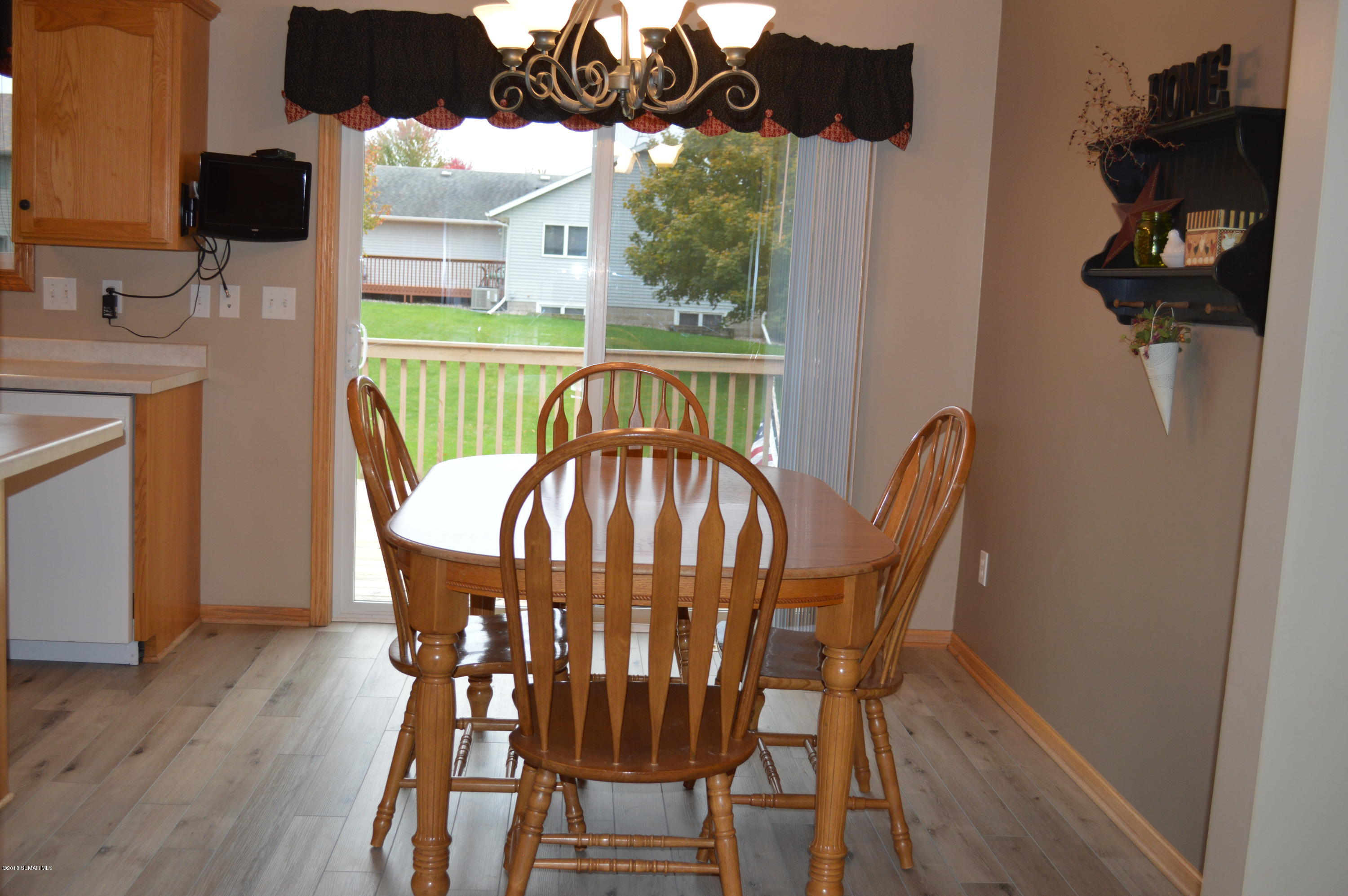 412 South,Dover,Minnesota 55929,3 Bedrooms Bedrooms,2 BathroomsBathrooms,Single family residence,South,4091938
