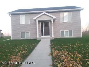 517 Brook Avenue, St. Charles, MN 55972