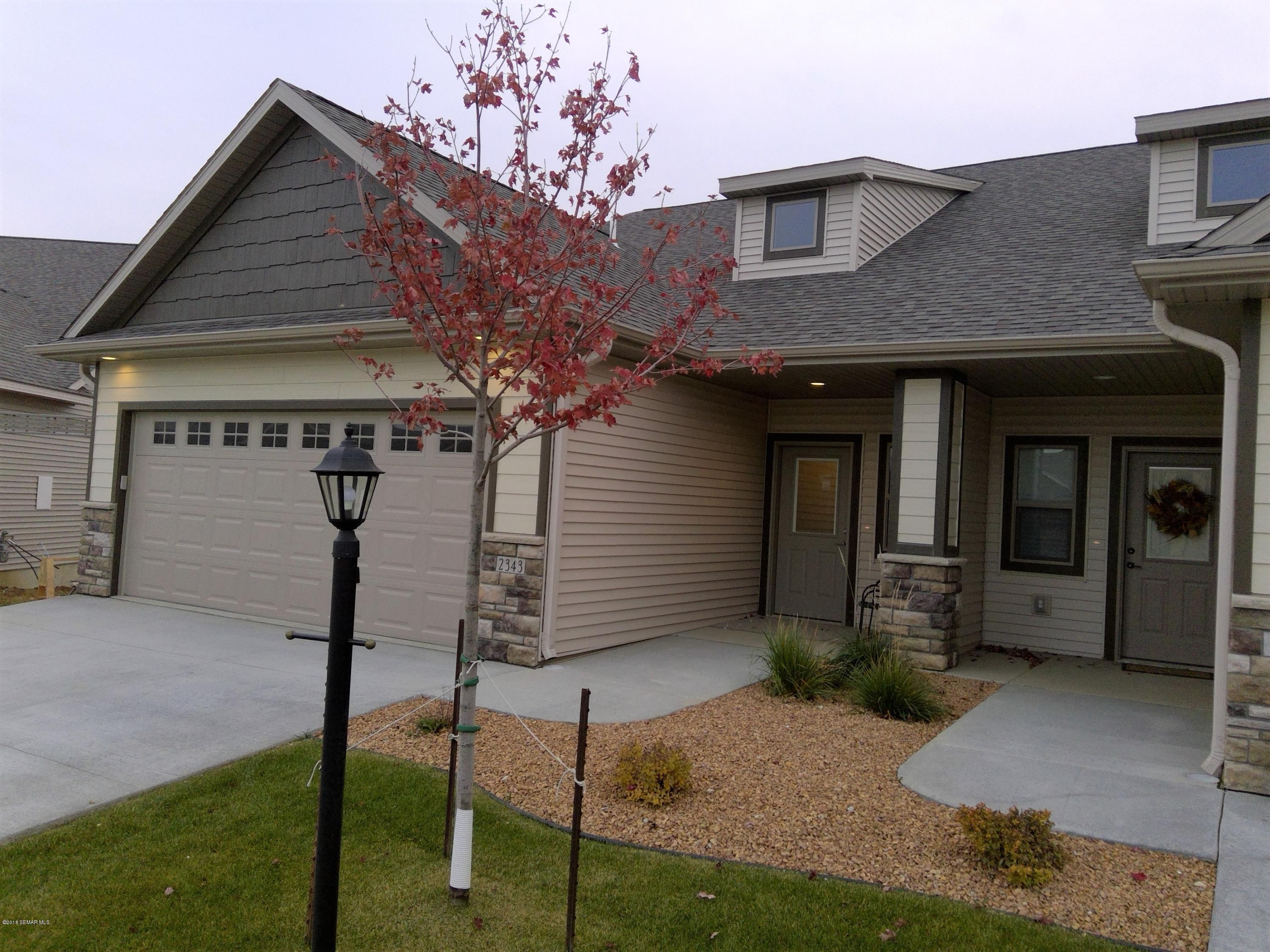 2343 Superior,Rochester,Minnesota 55901,4 Bedrooms Bedrooms,3 BathroomsBathrooms,Townhouse,Superior,4092361