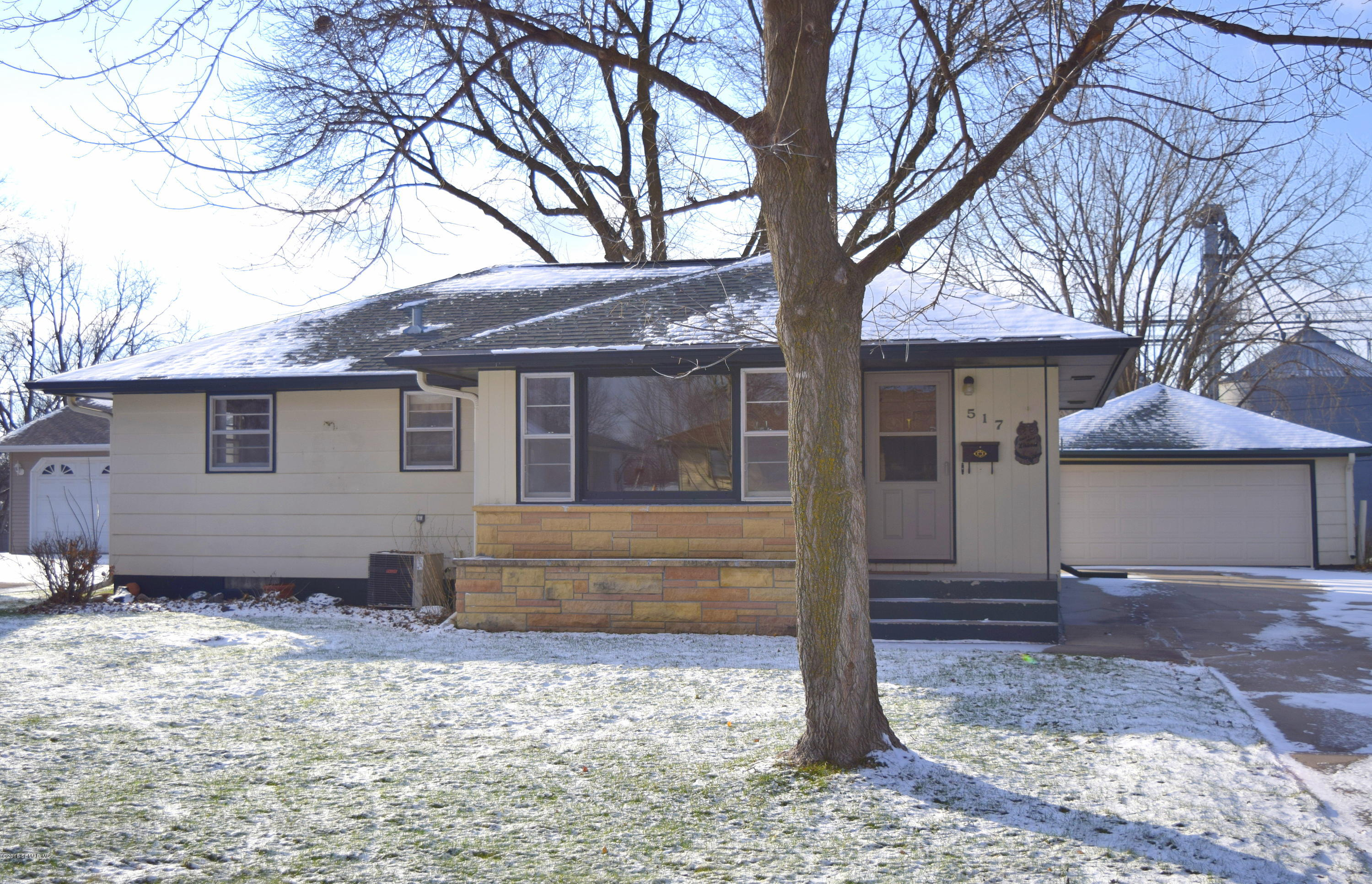 517 4th,Stewartville,Minnesota 55976,3 Bedrooms Bedrooms,2 BathroomsBathrooms,Single family residence,4th,4092437