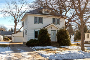 519 S Walnut Avenue, Owatonna, MN 55060