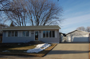 1405 42nd Street NW, Rochester, MN 55901