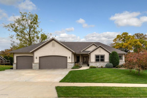 2365 Timberwood Lane SW, Rochester, MN 55902
