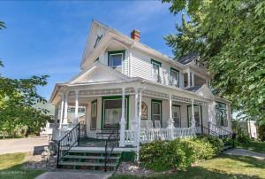 120 W Lyon Avenue, Lake City, MN 55041
