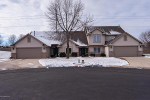4927 Scattered Pines Lane NW, Rochester, MN 55901