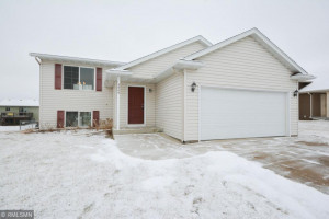 5905 Excalibur Court NW, Rochester, MN 55901