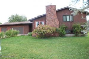 512 Kerry Drive, Winona, MN 55987