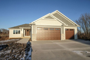 6489 Summit Pine Lane NW, Rochester, MN 55901
