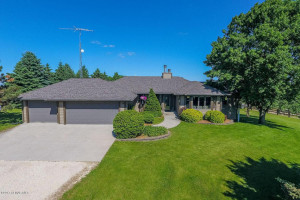 7500 Valleyhigh Road NW, Byron, MN 55920