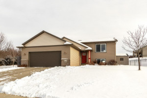 1230 Hill City Court NE, Pine Island, MN 55963