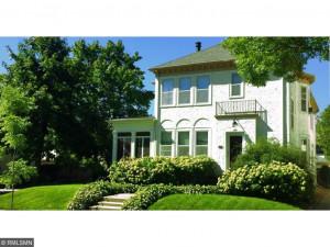 1724 Dupont Avenue S, Minneapolis, MN 55403