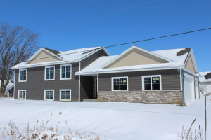 9 13th Avenue NW, Kasson, MN 55944