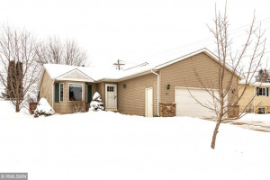 615 6th Street NW, Plainview, MN 55964